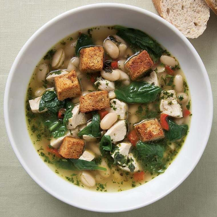 recetas saludables bajar de peso sopa-espinacas-pesto-ideas-originales