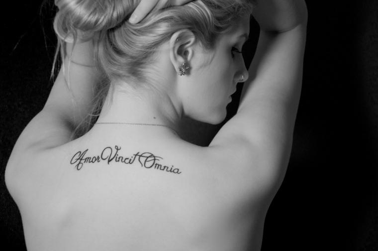 Frases Para Tatuajes Originales En Diferentes Idiomas - Tatuajes-frases-espalda