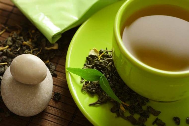 Puede intentar mezclar el té verde con otros ingredientes saludables como el jengibre.