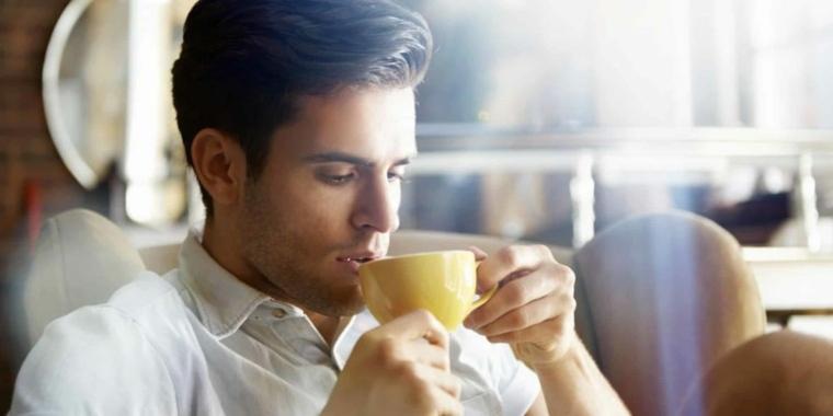 té verde hombre