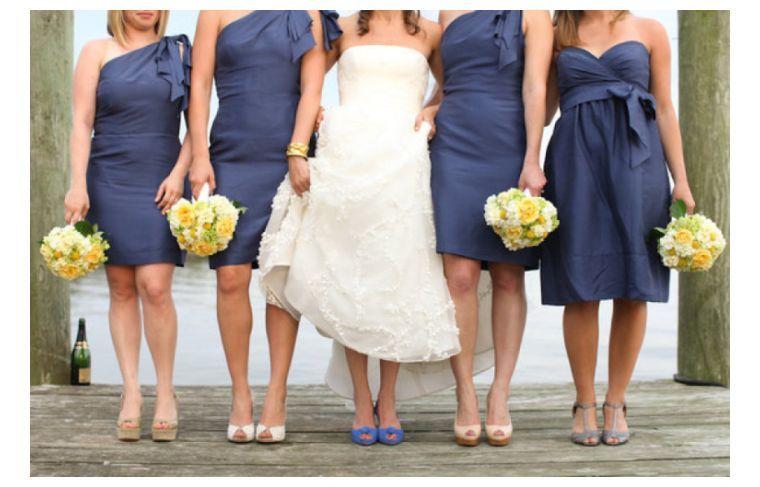 vestidos-dama-honor-azul-oscuro