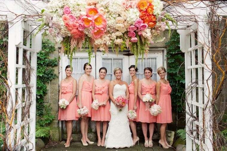vestidos-de-dama-de-honor-modelos-cortos-rosa-pastel