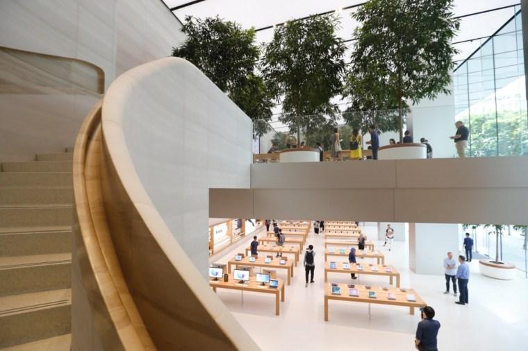 Tienda-de-Apple-dos-niveles