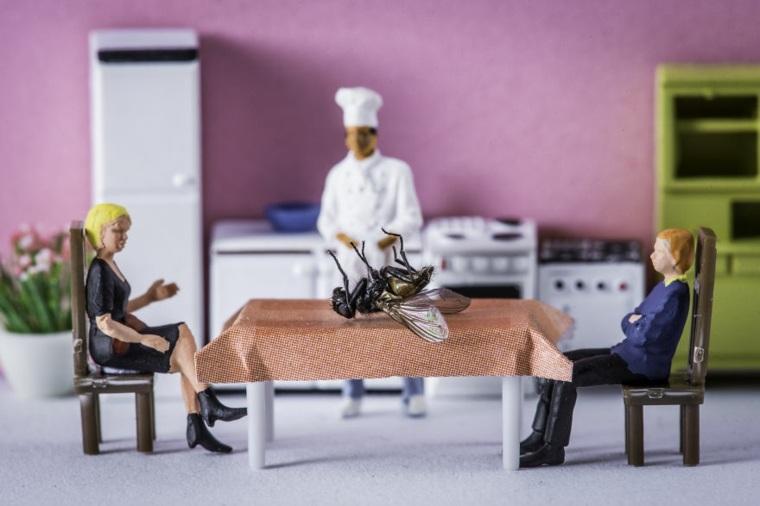 escenas artísticas con figuras en miniatura