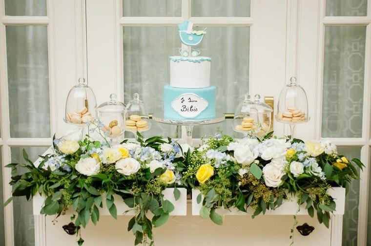 centros-de-mesa-para-baby-shower-flores-estilo-mesa-central