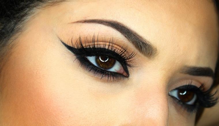 como aplicar eyeliner-casa-alargado