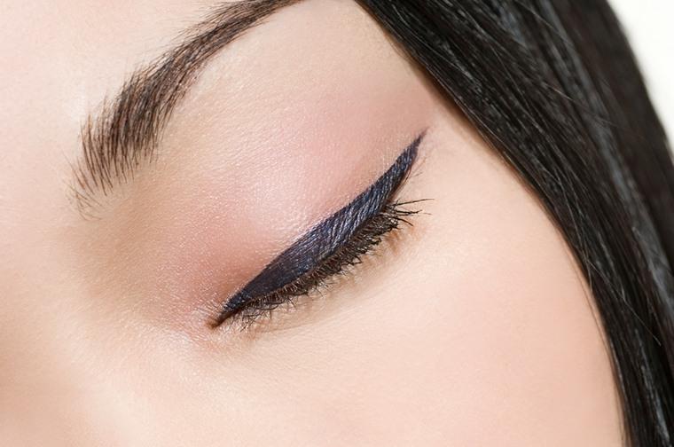 como aplicar eyeliner-parpado-superior