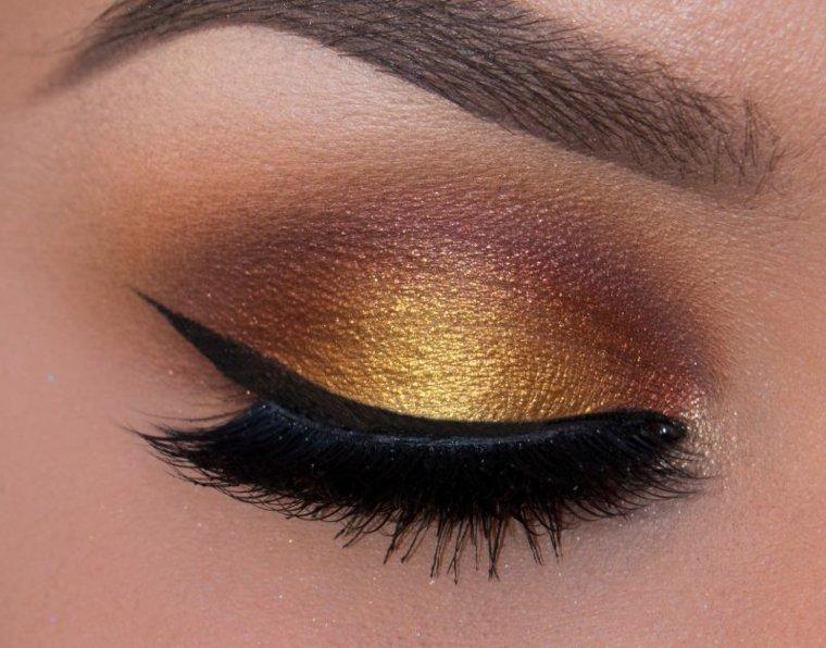 como se maquillan los ojos-dorado
