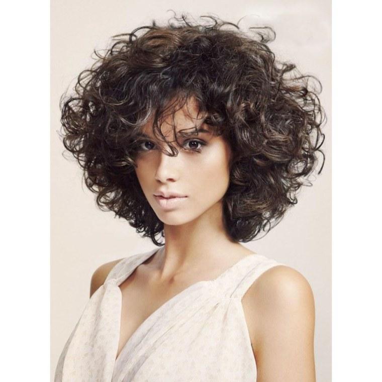 corte estilo bob pelo-rizado-mujeres-modernas