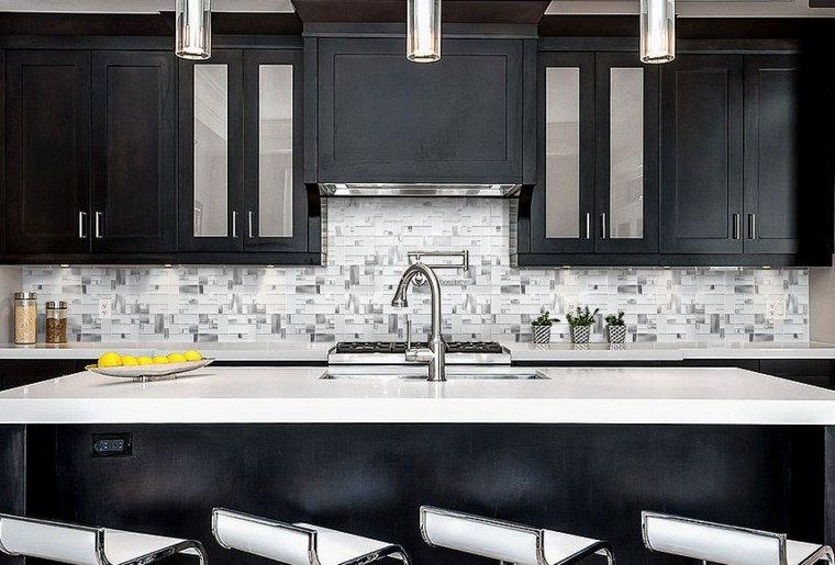 decoracion cocinas-salpicadero-blanco-negrо