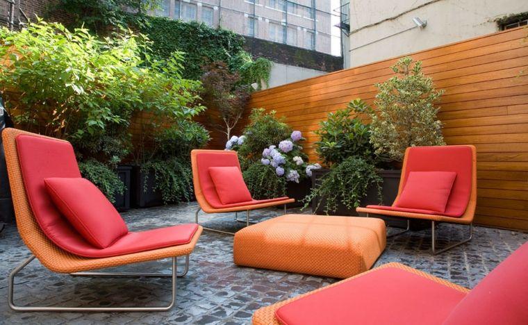 decoracion terrazas pequenas-cojines-colchones