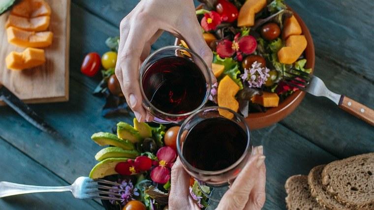 dietas-para-bajar-de-peso-sirtfood-estilo-vida