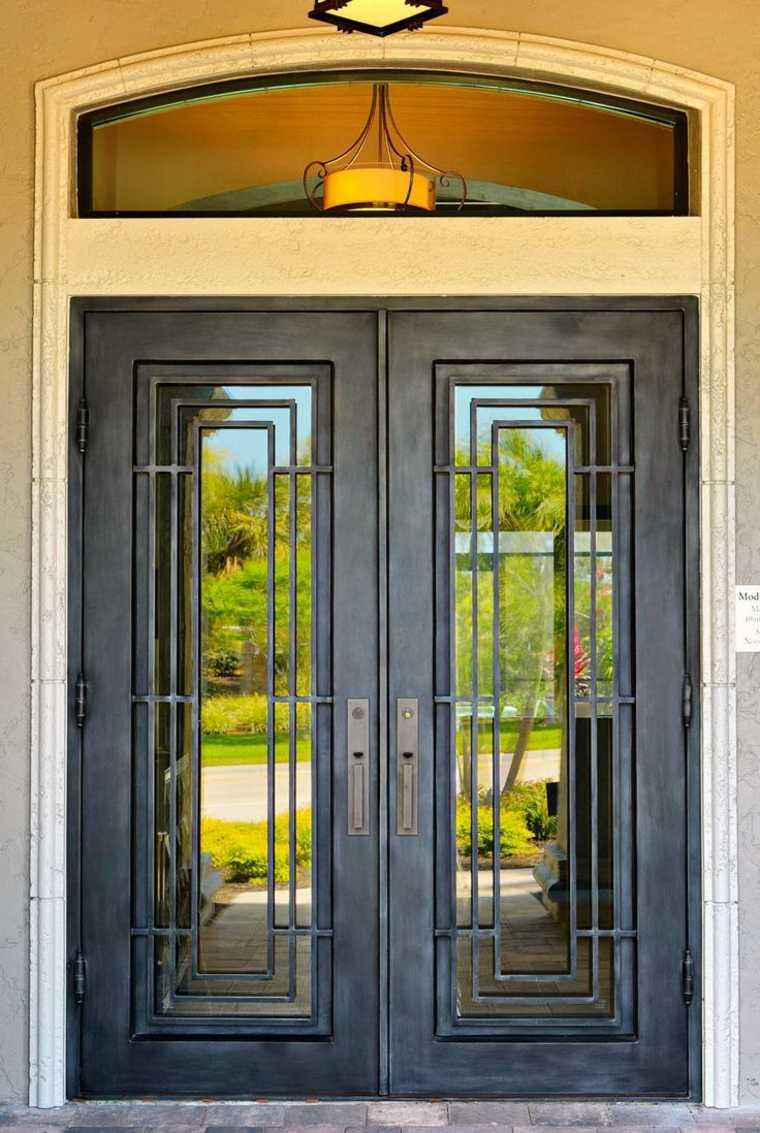 Puerta de hierro moderna dise os modernos con hierro - Puertas de entrada de diseno ...