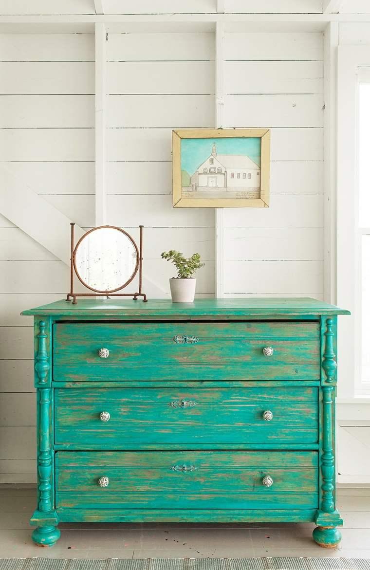 diseños para paredes blancas-textura-muebles-vintage