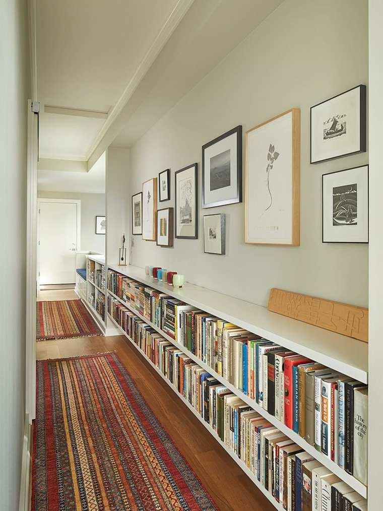 estantes para libros pasillo
