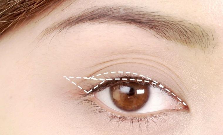 eyeliner liquido-aplicar-ojos