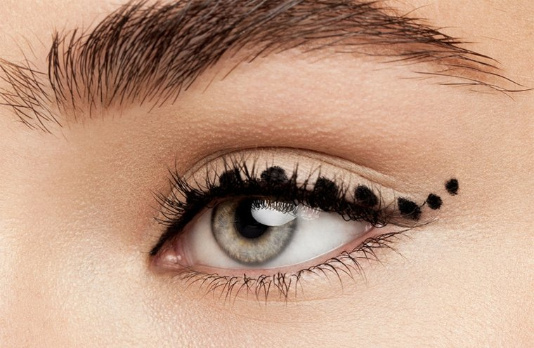 eyeliner rotulador-aplicar-casa