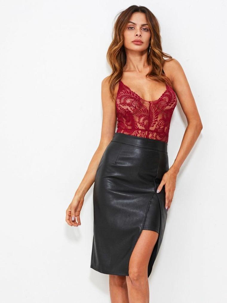 Cómo llevar una falda de cuero