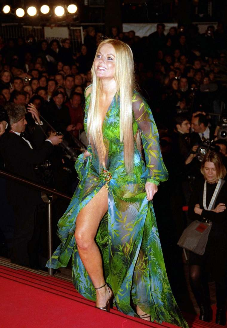 geri-halliwell-versace-vestido-moda