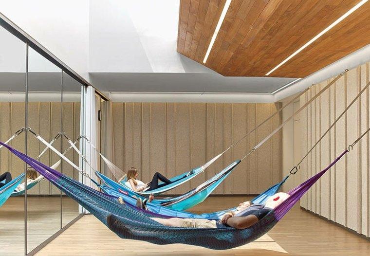 La ubicación de NYC podría tener el mejor diseño de oficina, con hamacas
