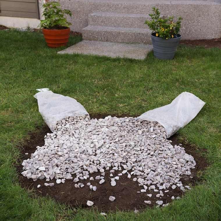 hogueras-jardin-piedras-suelo