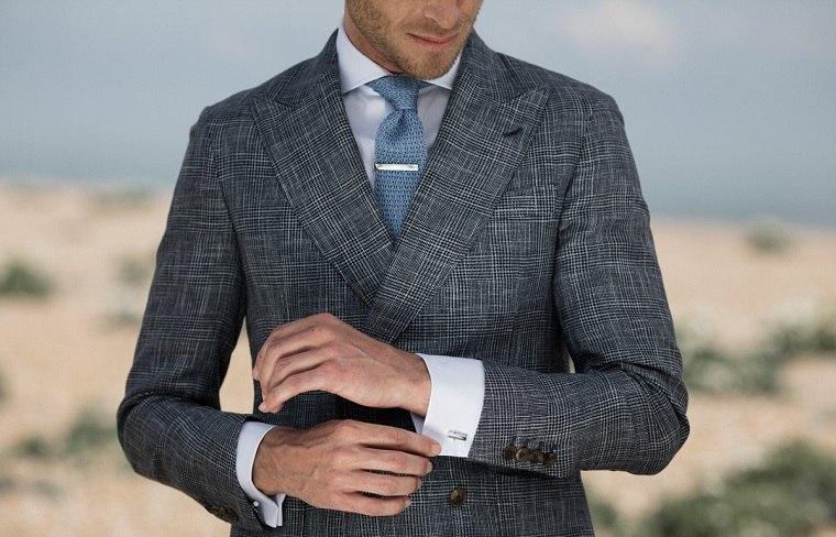 hombre-elegante-gemelos-estilo-moderno-opciones