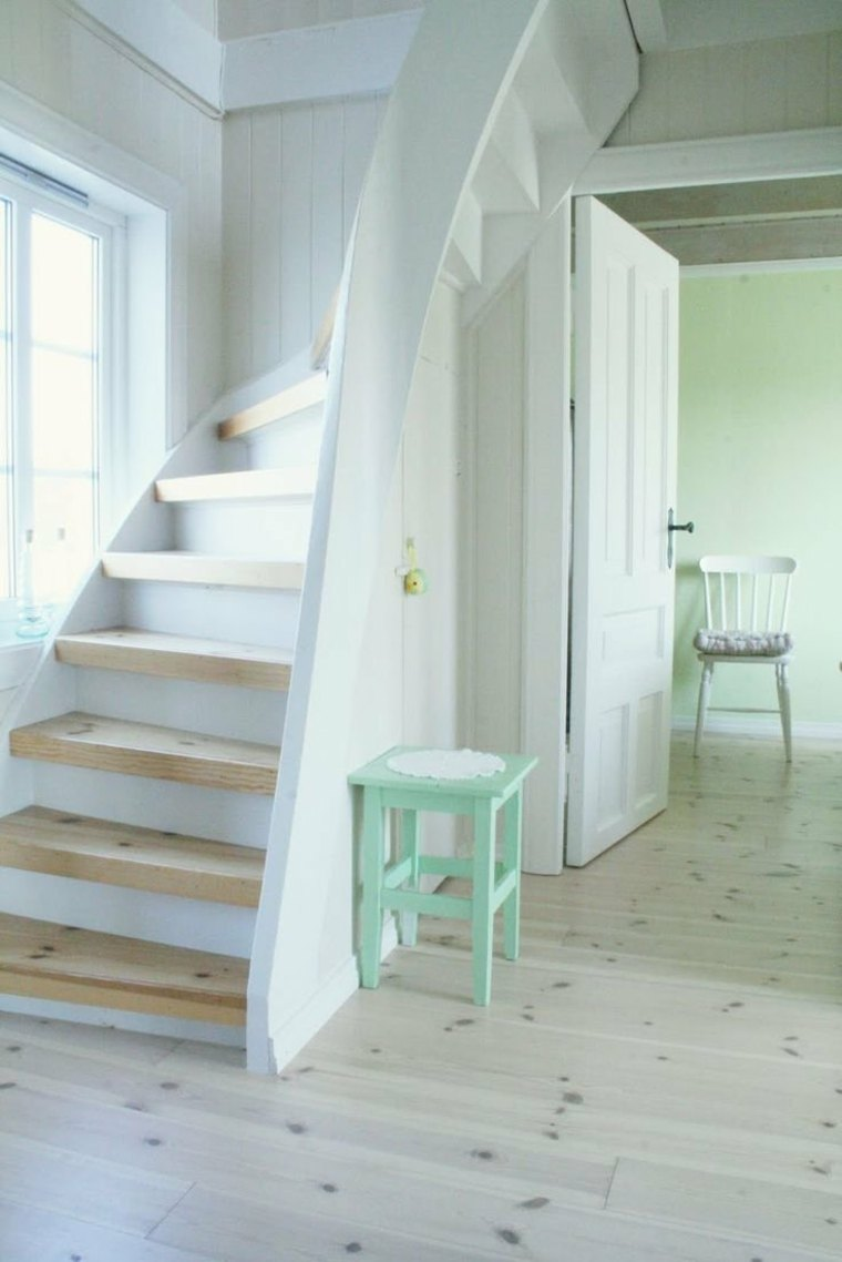 Escaleras modernas sencillas