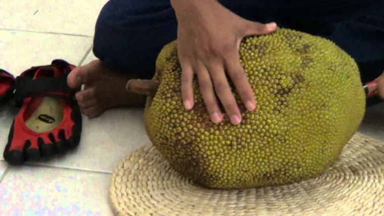 jackfruit cortando