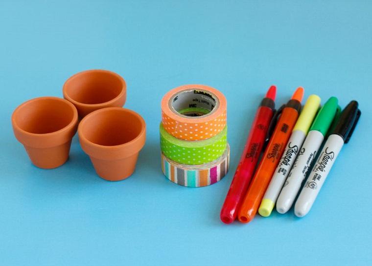 manualidades sencillas-jardin-miniatura-macetas-materiales