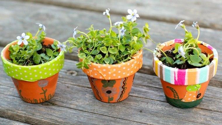 manualidades sencillas-jardin-miniatura-macetas
