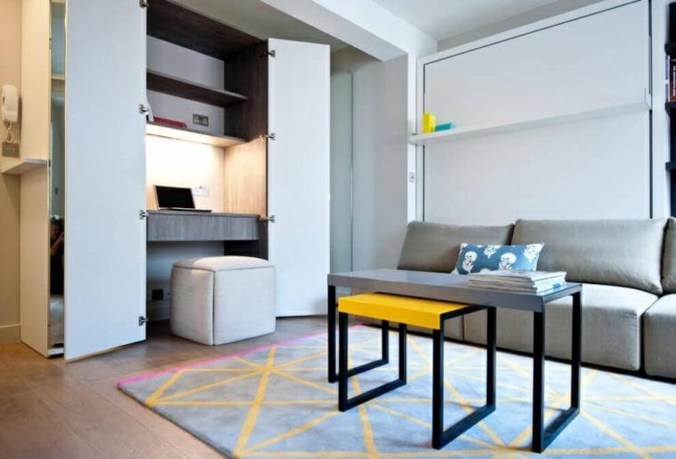 mesa de escritorio de pared en la sala de estar