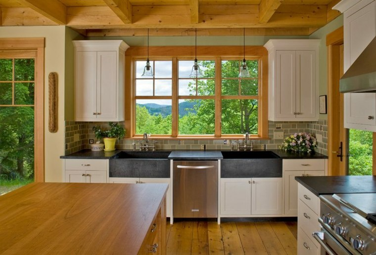 white kitchen cabinets with oak trim cocinas integrales de madera unos interiores impresionantes 29038