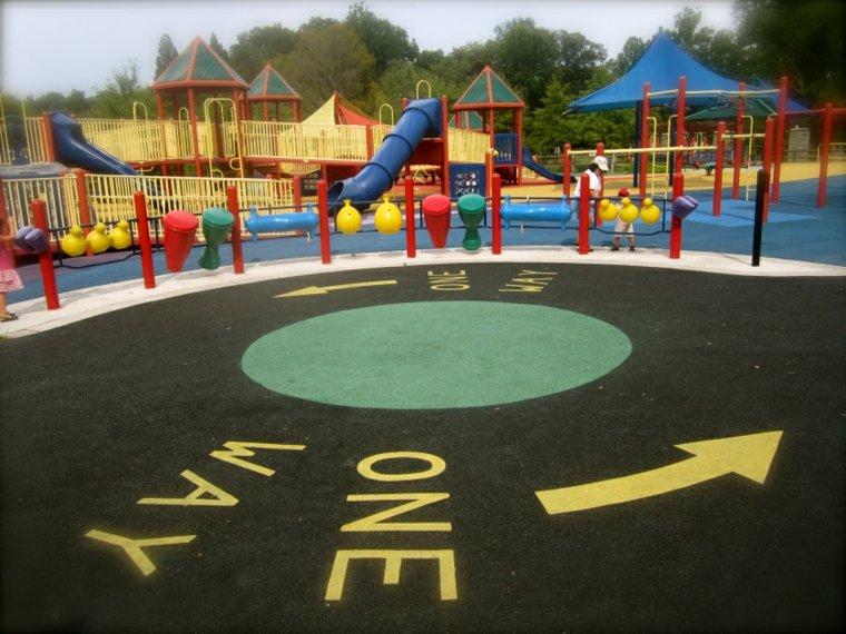 parque infantil para-descapacitados