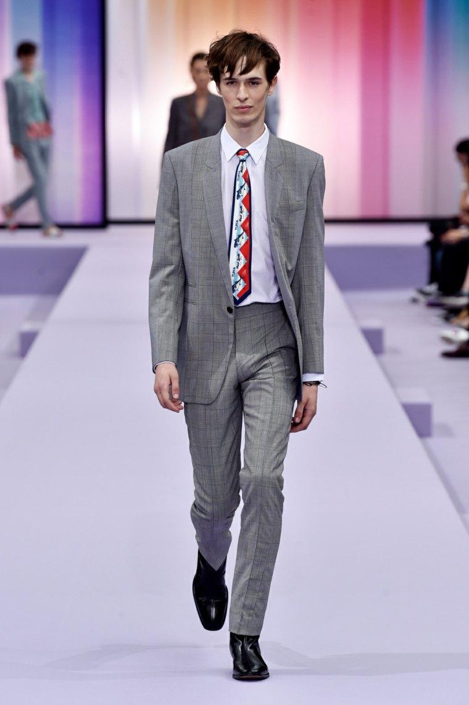paul-smith-hombre-diseno-trajes