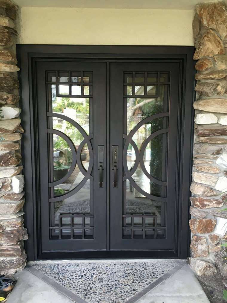 Puerta de hierro moderna dise os modernos con hierro for Modelos de puertas de fierro modernas