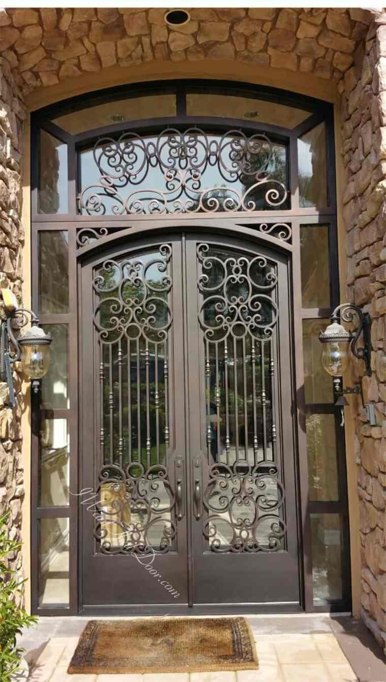 Puerta de hierro moderna dise os modernos con hierro for Puertas de metal con vidrio modernas