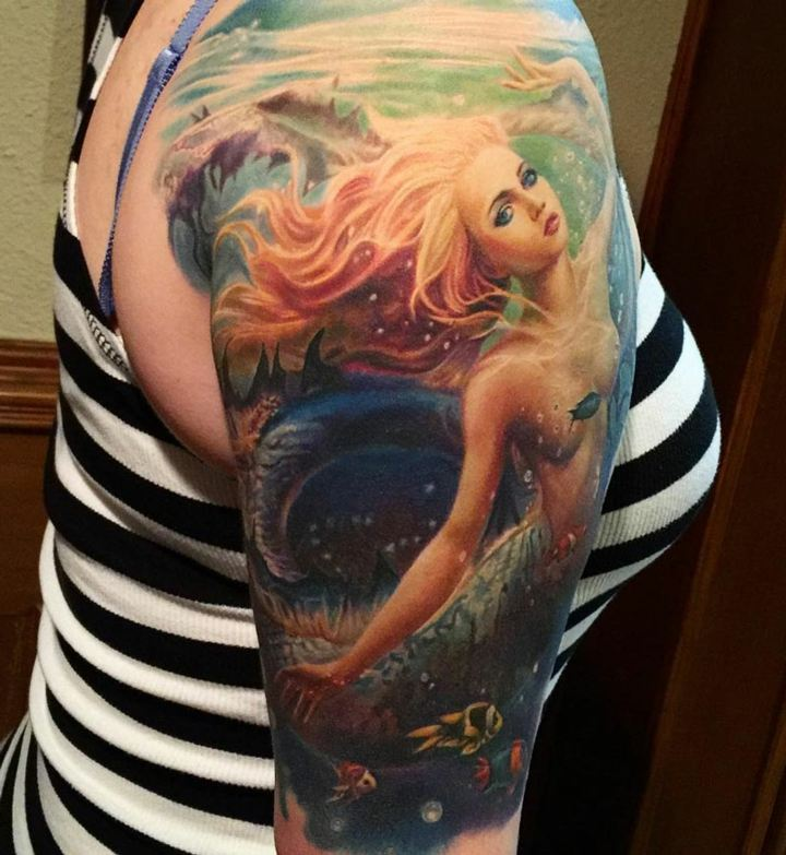 sirena-colorida-brazo-mujer