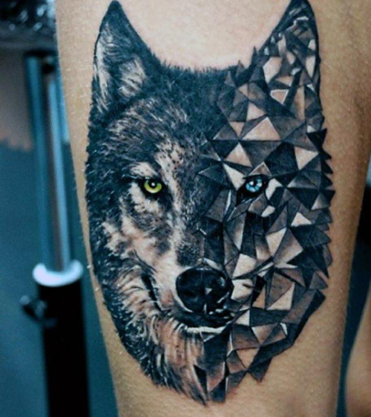 tatuaje lobo-tatuado-brazo-hombre