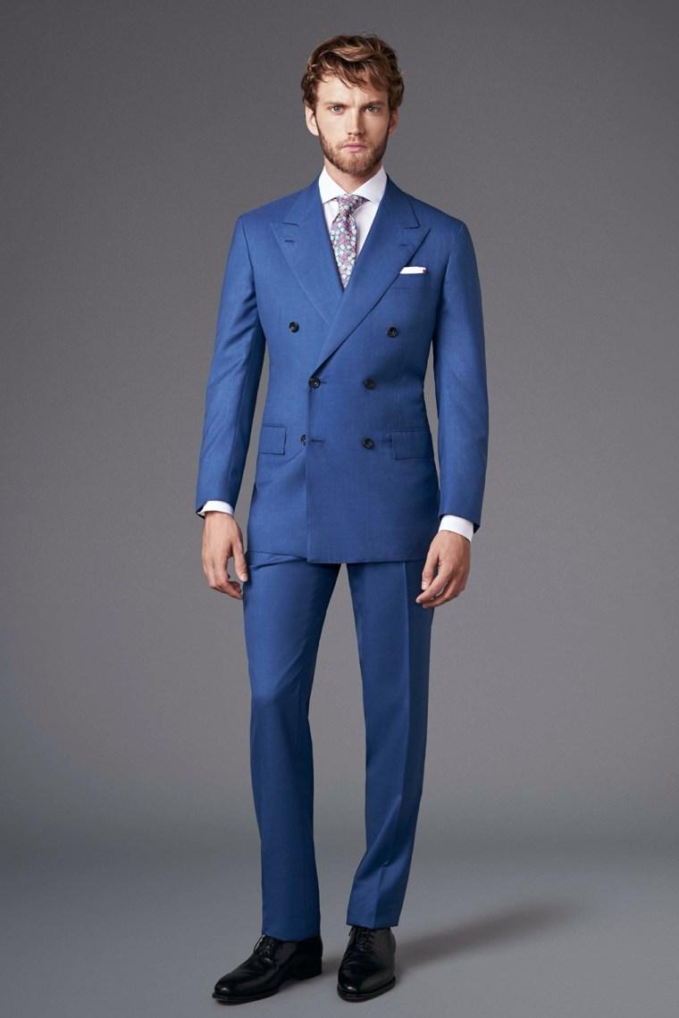 trajes de novio-estilo-original-color-azul-claro