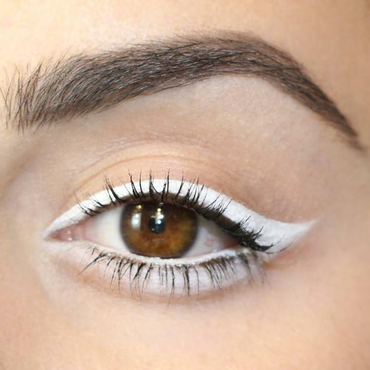 trucos eyeliner-aplicar-casa
