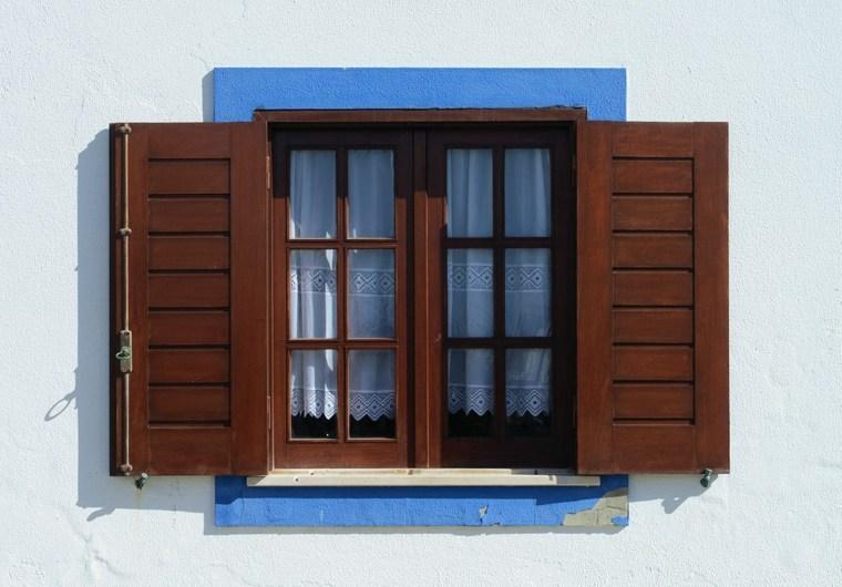 Marco de ventana de madera