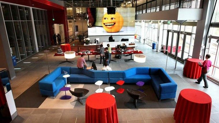 El vestíbulo principal del área de trabajo de YouTube