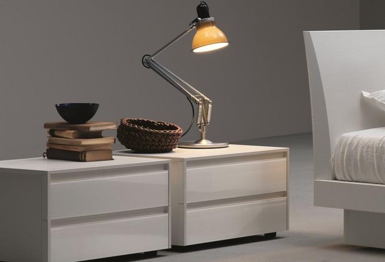 Mesas De Madera De Noche Y Otros Tipos Para Unos Dormitorios