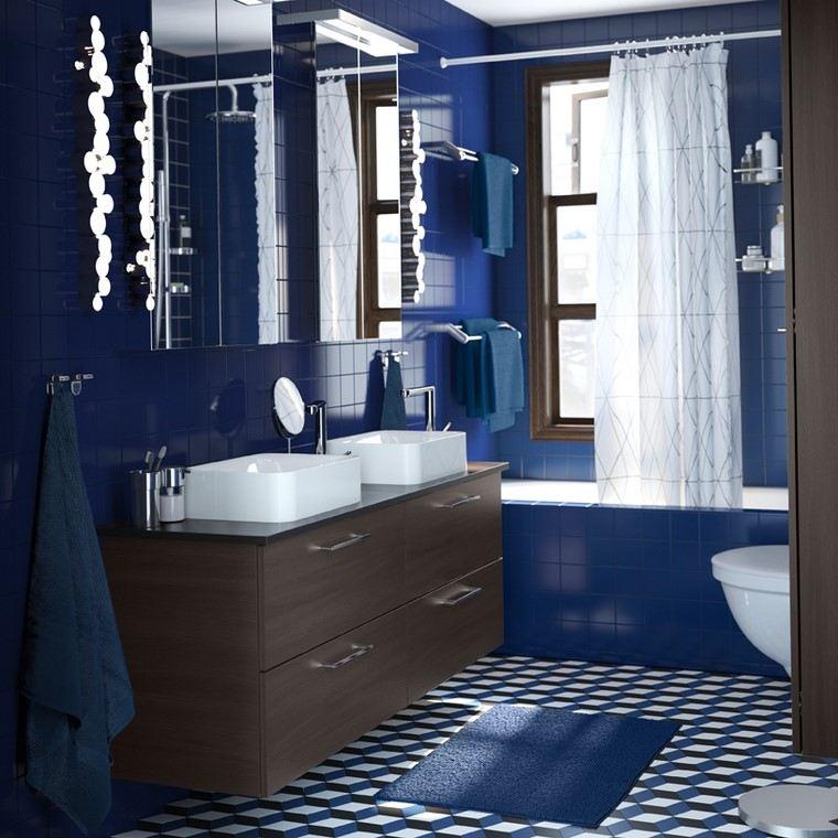 bano-color-azul-muebles-clasicos-diseno