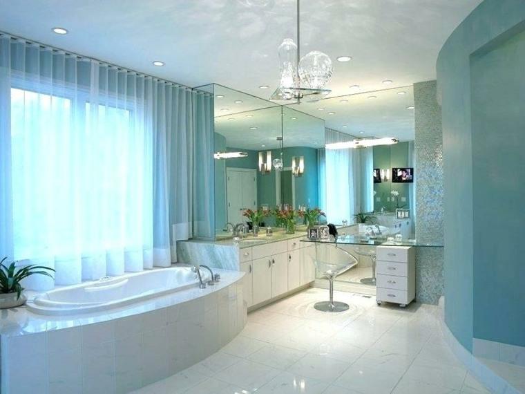 banos modernos-tono-azul-clarito