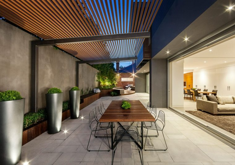 casa-pergola-madera-opciones-diseno-contemporaneo