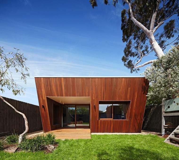 casas-de-madera-pequenas-diseno-moderno-Mesh-Design-Projects