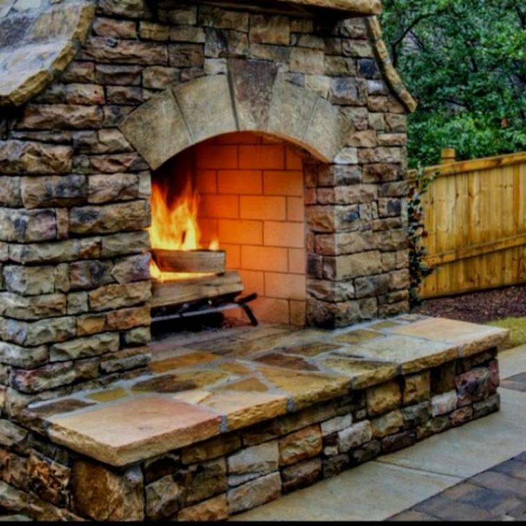 chimeneas rusticas-piedra-decorar-exterior