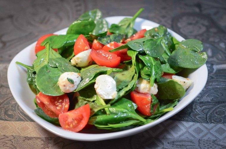 comida recetas-faciles-espinacas-tomates