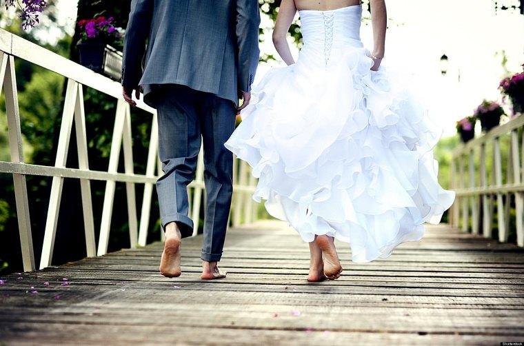 cómo organizar una boda-tendencias-2018-pareja